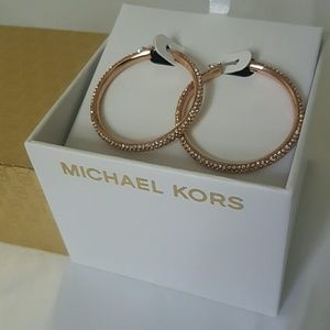 NWT rose gold errings hoop
